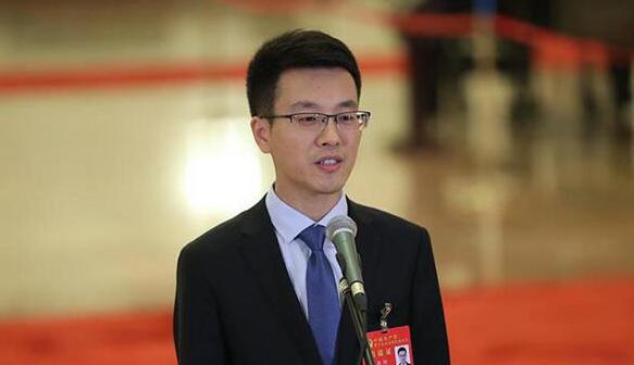 【众说十九大】徐川:奋斗的青春 腾飞的中国