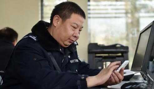 吕建江:互联网时代基层民警的代言人