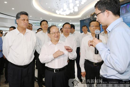 鹿心社陈武率广西党政代表团赴广东学习考察